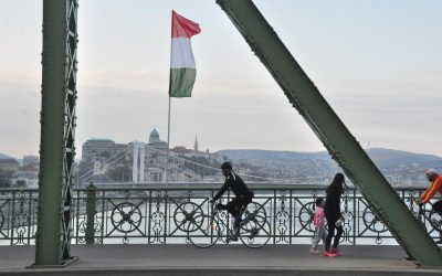 """AEJ condemns Hungarian  """"political"""" ruling to take Klubradio off air"""